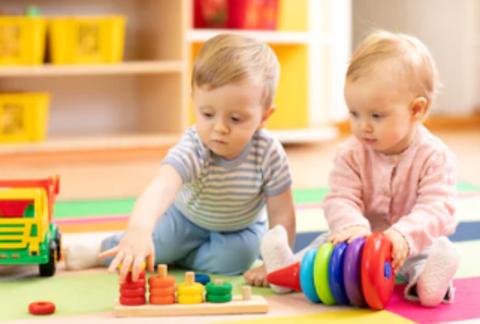 Пять полезных игр для детей от 6 до 12 месяцев!