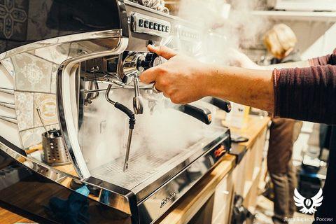 Очистка кофемашины: как правильно ухаживать за кофейным оборудованием и какое средство выбрать