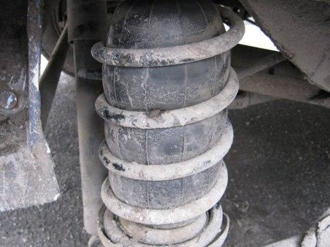 Пневмобаллоны в пружины. Что дают пневмохелперы рядовому водителю?