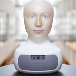 Социальный робот с меняющимся лицом