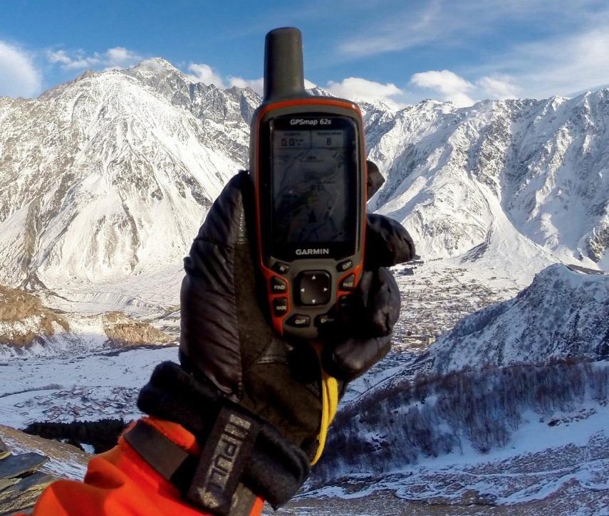 Почему туристический навигатор, а не смартфон?