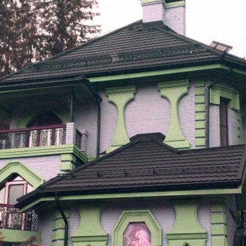 Фасадный декор из пенопласта для наружной отделки дома.