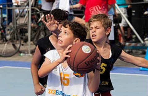 Spalding TF-500 стал официальным мячом европейского чемпионата FIBA 3x3 в 2013 году