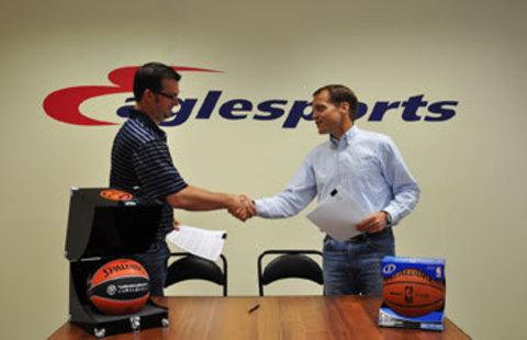 Вице-президент Spalding International подписал договор о продлении сотрудничества с Eaglesports