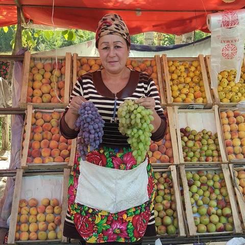 Изобилие свежих фруктов