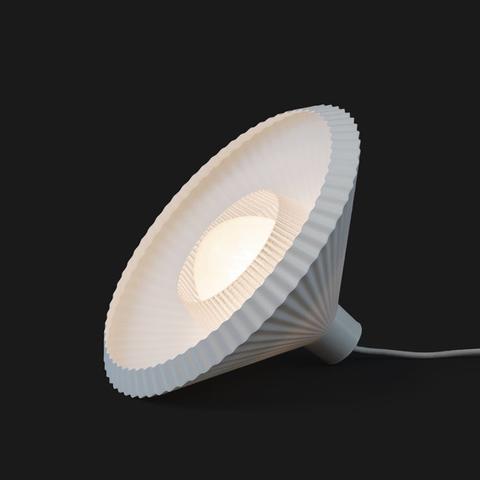 Экологичный LED для масс: инновационный проект Plumen и Batch.works