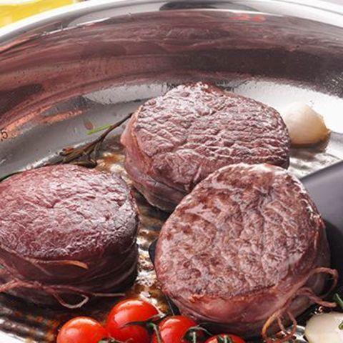 Как правильно прожарить мясо – мастер-класс по приготовлению мини-стейков