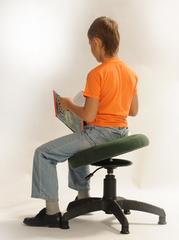 Правильный стул для школьника. Как правильно сидеть с пользой для здоровья?