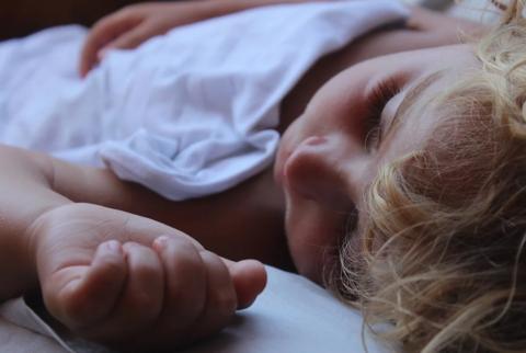 Пять частых ошибок в режиме сна младенца