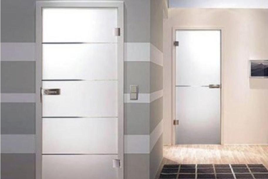 Уход за влагостойкими межкомнатными дверями