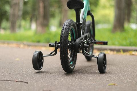 Страховочные боковые колеса