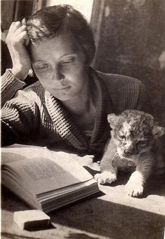 24 апреля родилась Вера Васильевна ЧАПЛИНА (1908-1994), русская писательница