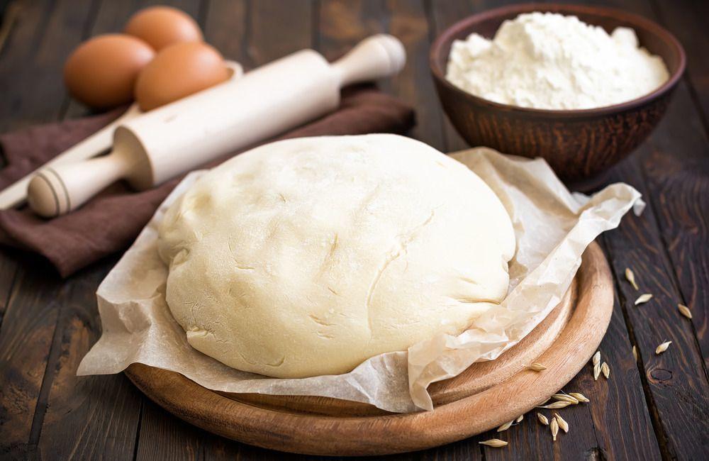 Рецепт теста для дрожжевых булочек: как завести вкусное, мягкое и пышное на сухих дрожжах
