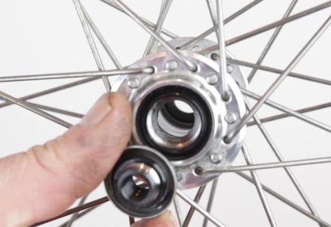 Ремонт велосипеда: Как перебрать переднюю втулку на насыпных подшипниках
