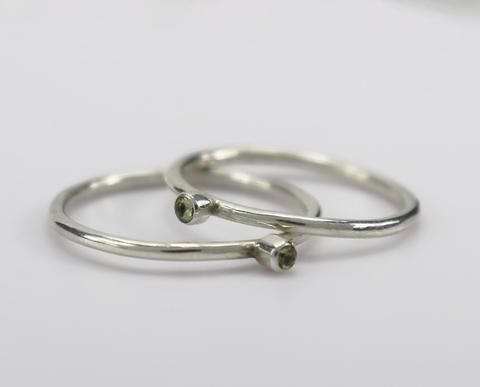Серебряные кольца с оливином