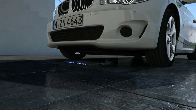 BMW занимается разработкой системы беспроводной зарядки для своих автомобилей