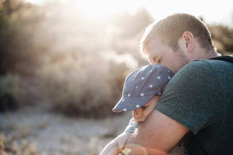 Как папа влияет на воспитание ребёнка? Как помочь мужчине правильно реализовать свою роль отца