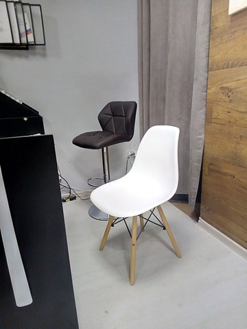 Ассорти из стульев для магазина EasyShop.