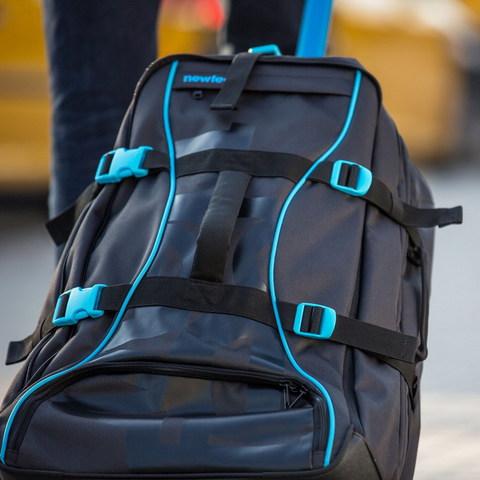 Сумка рюкзак на колесиках – что это такое?