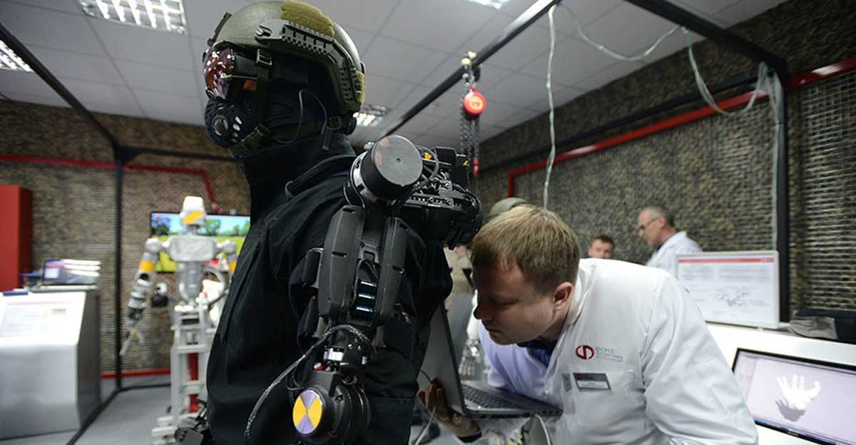 Как русские роботы западный мир пугали