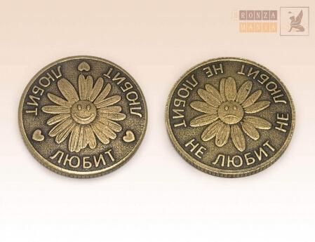 Бронзовые подстаканники и счастливые монетки