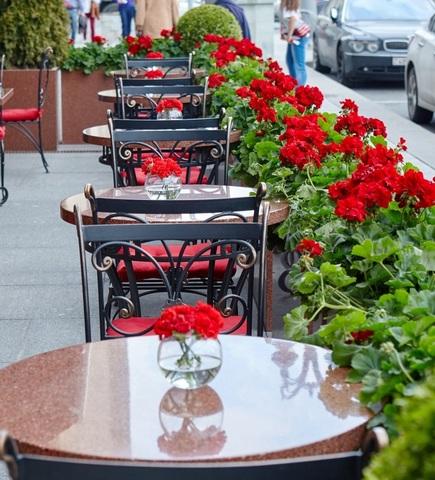 Каменные столешницы для летних кафе
