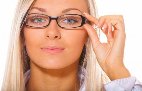 Линзы или очки?