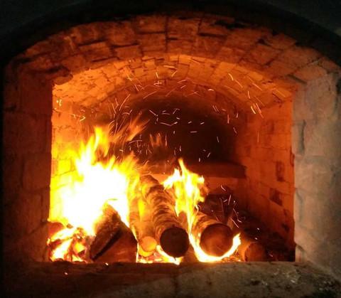 Как испечь хлеб в дровяной печи