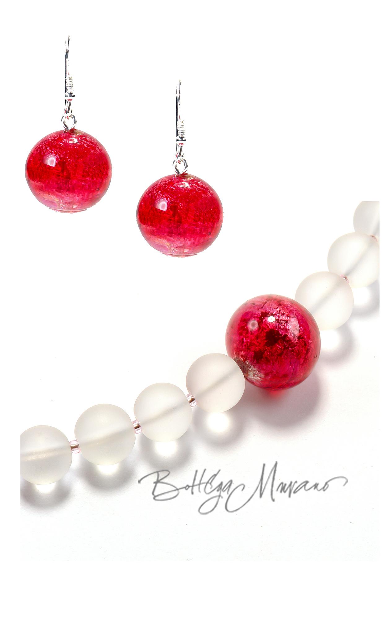 Ожерелья с серьгами