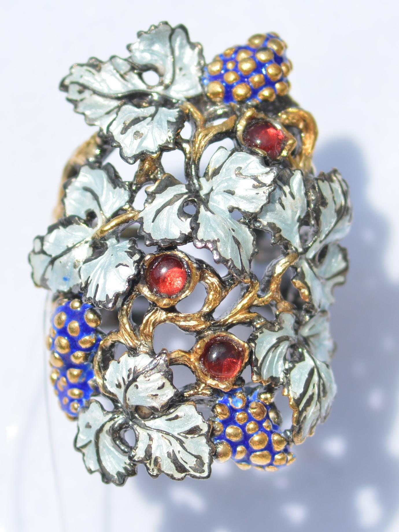 Серебряные кольца с эмалью