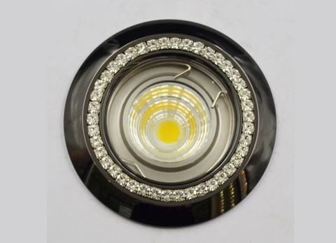 Разных брендов точечные светильники GX53