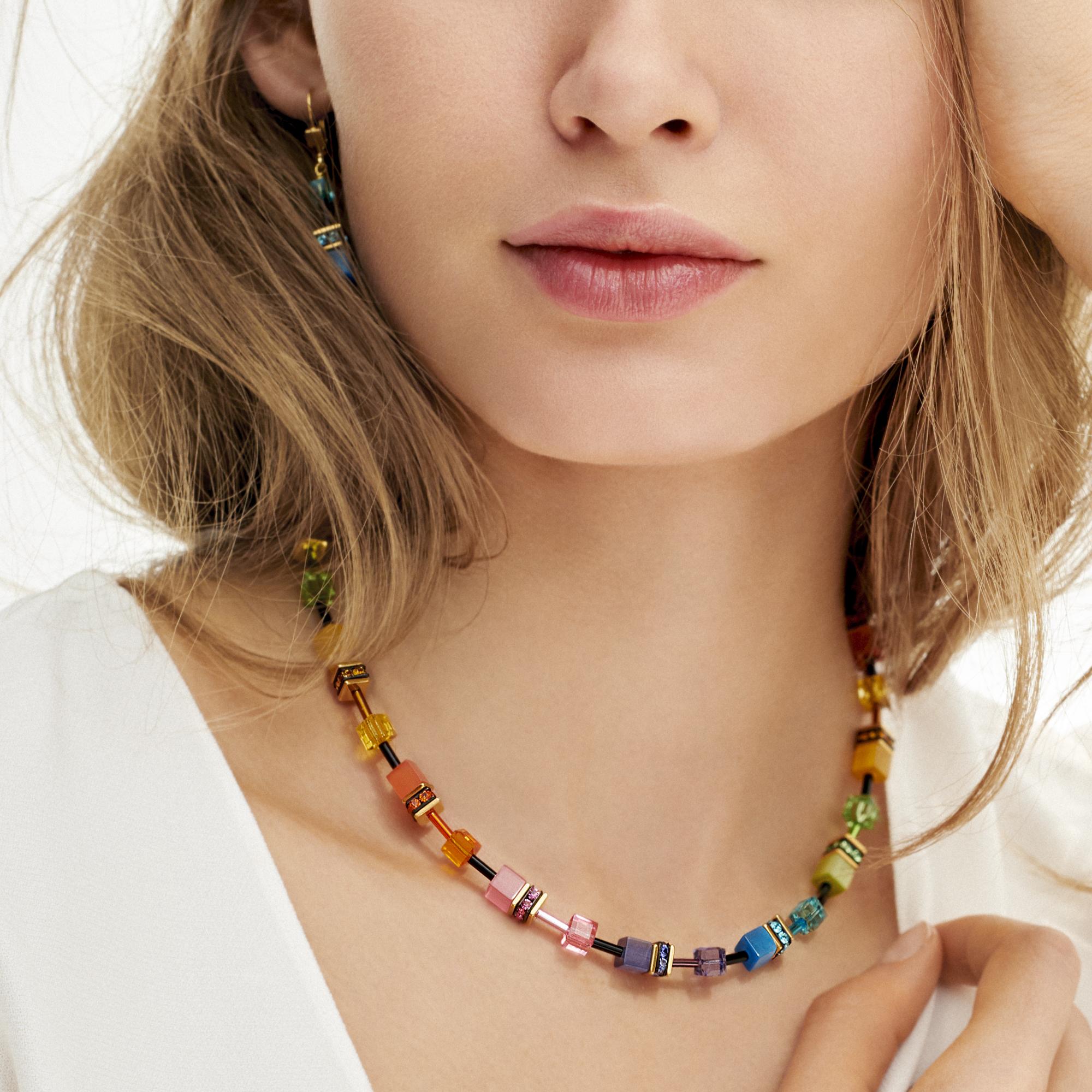 Ожерелья с квадратными бусинами