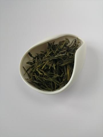 «Жёлтые почки с горы Хо» Хо Шань Хуан Я - жёлтый чай из провинции Аньхой, Китай.