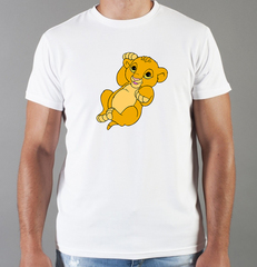Футболка с принтом мультфильма Король лев (The Lion King, Симба) белая 001