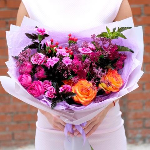 Букет 42 с яркими эквадорскими розами