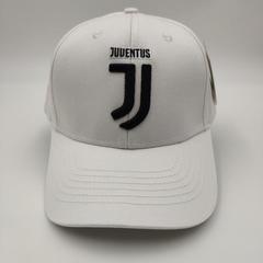 Кепка с логотипом ФК Ювентус  (Бейсболка FC Juventus) белая 001