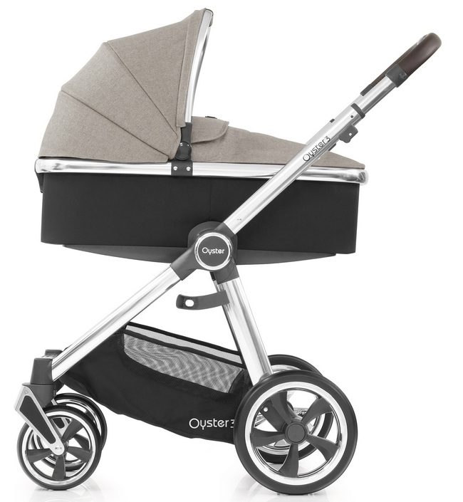 OYSTER 3 OYSTER 3 Pebble 2 в 1 на серебристом шасси Oyster3_Carrycot_onChassis_Mirror_Pebble_cr.jpg