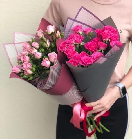 Букет из 5 кустовых роз с зеленью  #1774