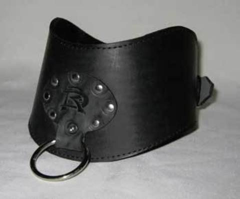 Кожаный фигурный широкий ошейник с кольцом