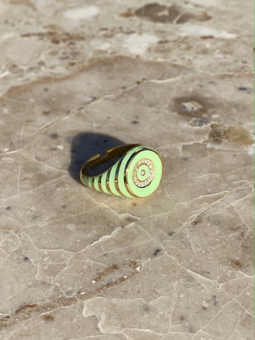 Round signet ring in gold plated silver with light green enamel stripes