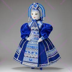 Текстильная кукла в большом переднике