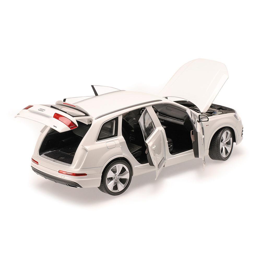 Коллекционная модель Audi Q7 2014 White