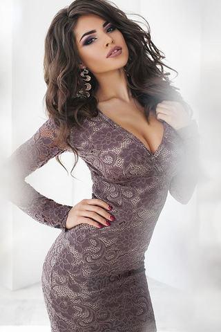 Короткое кружевное платье 2