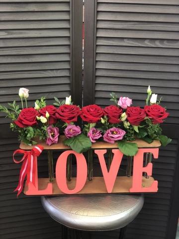 Розы в деревянной рамке  #70345