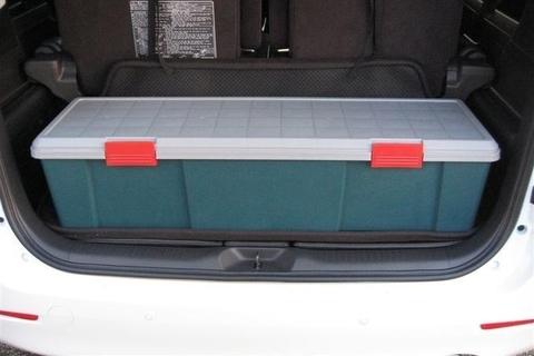 Экспедиционный ящик IRIS RV Box 1150D, в багажнике машины.