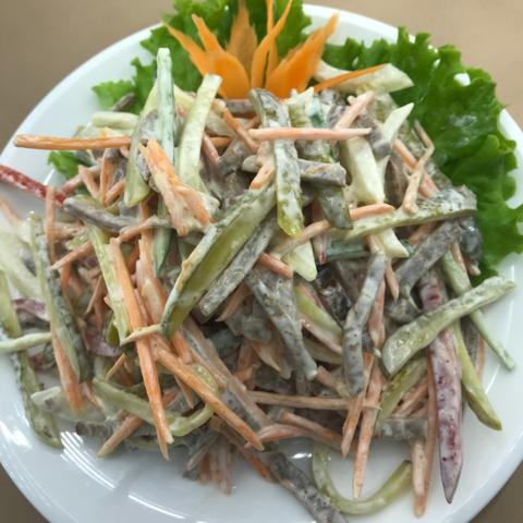 1--8Говядина с овощами от шеф - повар牛肉俄式沙拉