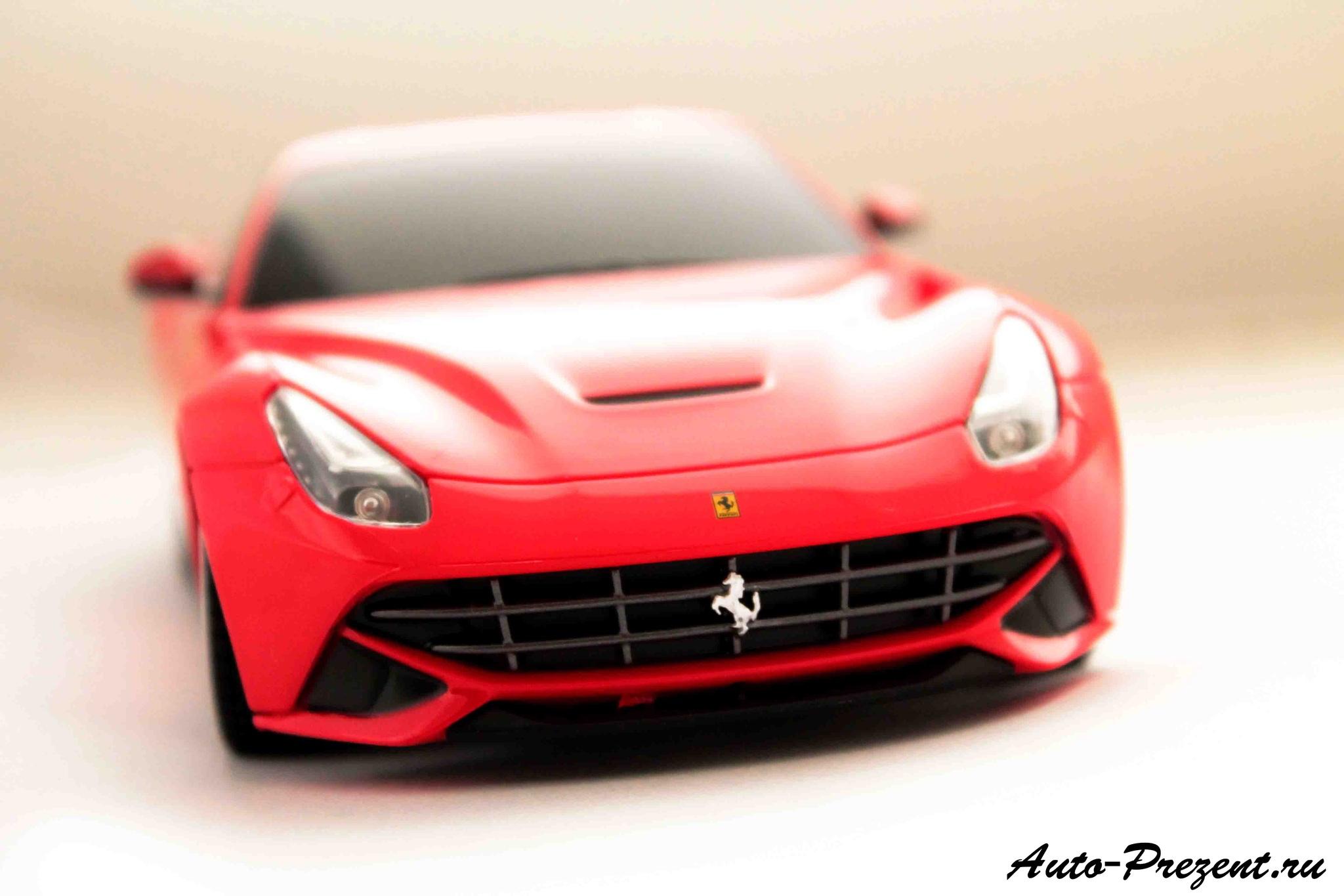 Машинка Ferrari F12 на радиоуправлении