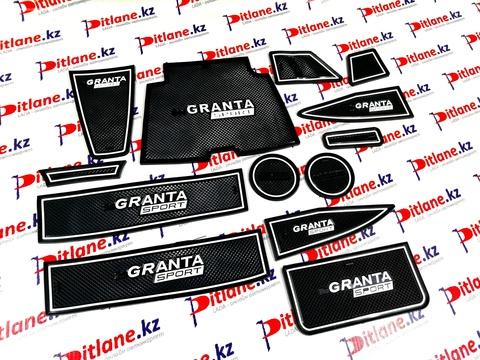 Коврики силиконовые панели приборов Лада Гранта FL с надписью Granta Sport