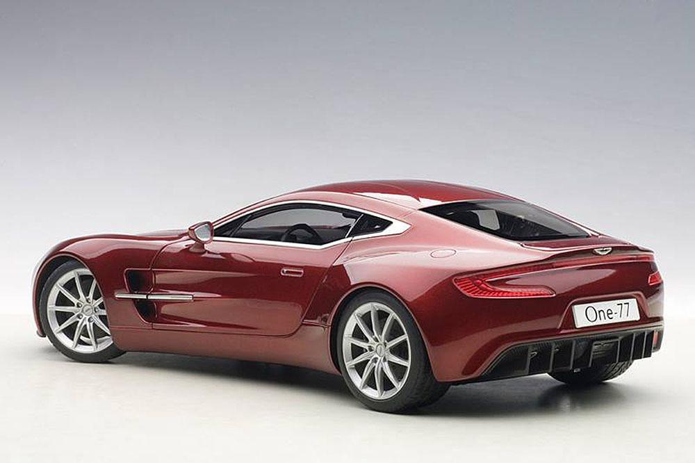 Коллекционная модель Aston Martin One 77 2009 Diavolo Red