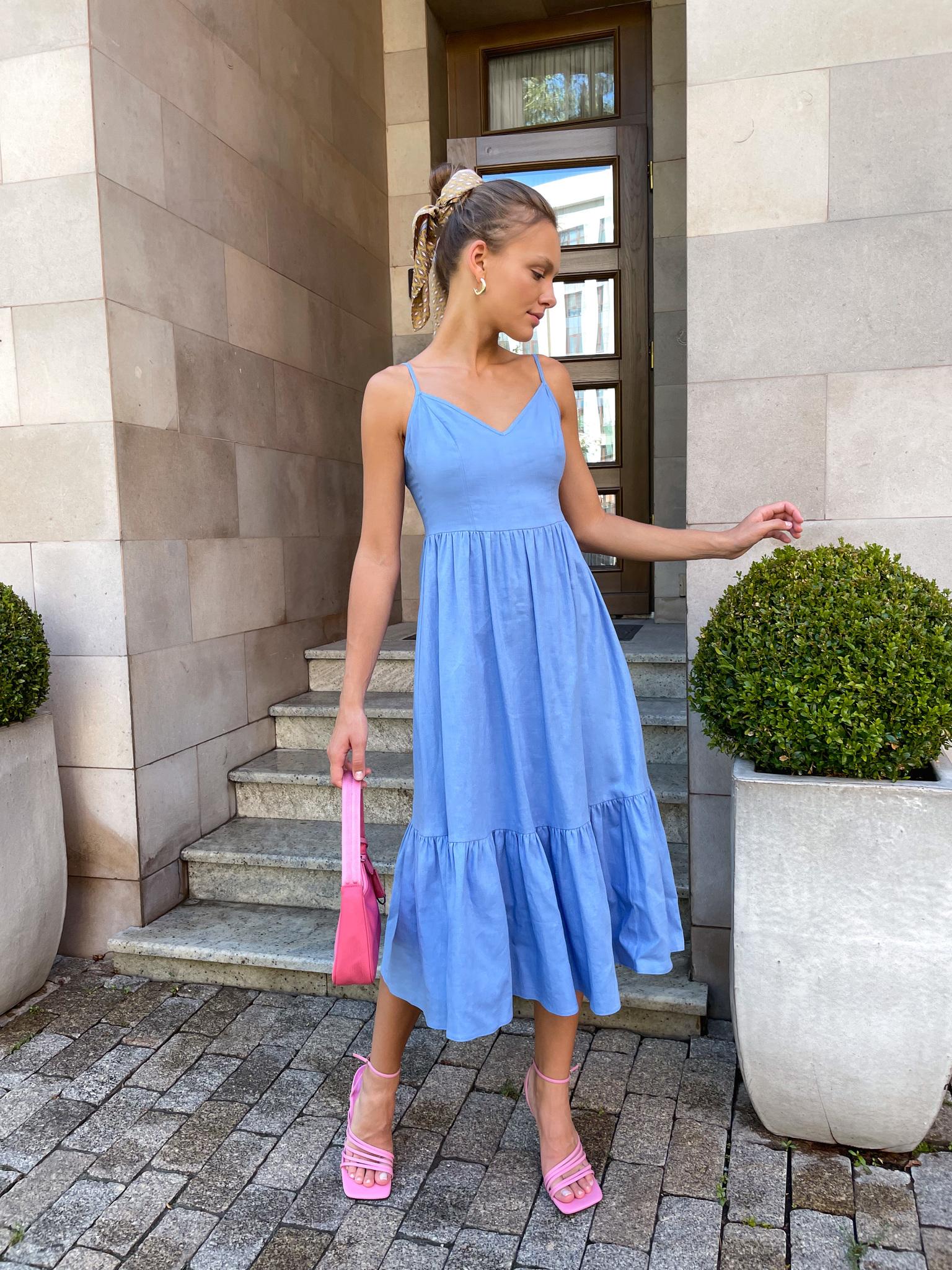 Платье изо льна с открытой спиной (голубой)
